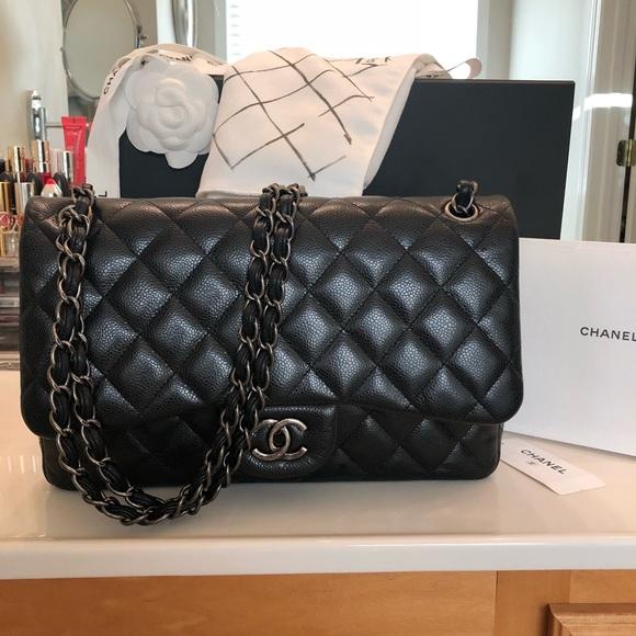 9cf838d8b2a5 CHANEL Handbags - Chanel Jumbo Classic Double Flap Handbag 🖤